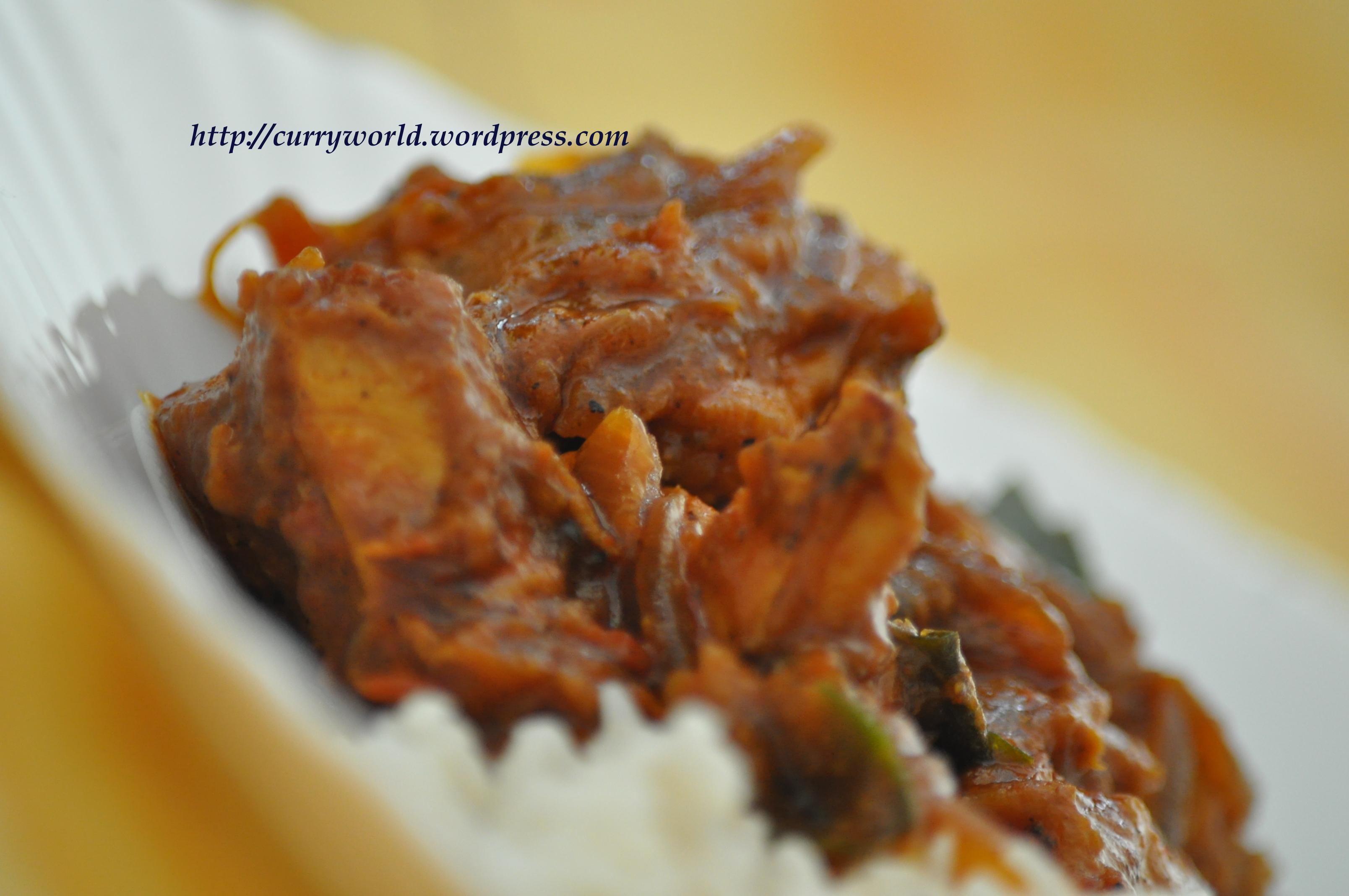 Calicut Style Chicken Piralan (Onion Chicken)